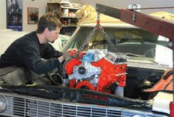 Installation and Break-In Guide: How to Build Chevy Small-Block Engines 6