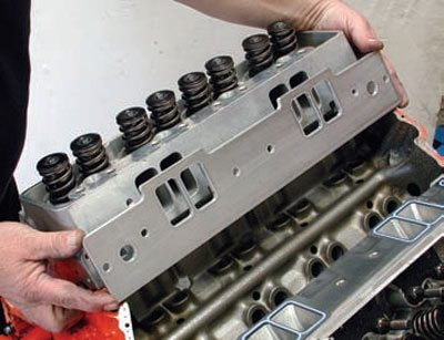 Induction Systems Cheat for Big-Inch Chevy Small-Block Engines 7