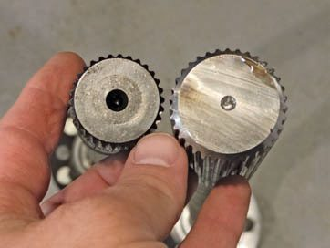 Here, a 28-spline axle (left) is com-pared to a 33-spline axle (right). The difference is nearly 1/4-inch diameter, which is an increase of approximately 33 percent. Note that the shape of the splines are the same.