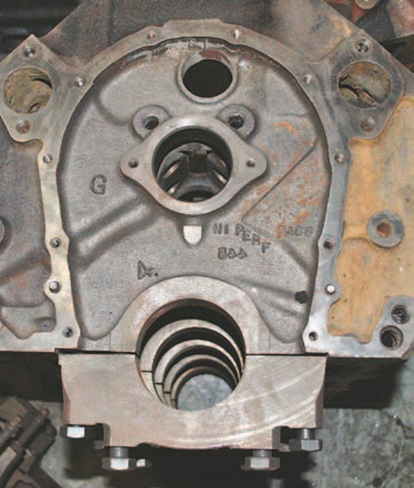 This four-bolt block is marked HI PeRF and PASS; TRuCK or M TRuCK is cast into most truck blocks. Note the open main gallery oil passage just above the pan rail at the lower right. This passage feeds the mains on all Mark IV big-blocks.