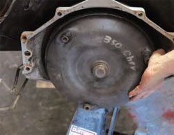 Installation and Break-In Guide: How to Build Chevy Small-Block Engines 4