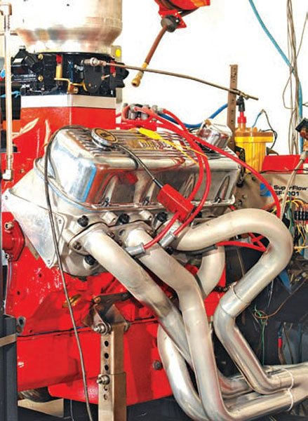 Fig. 12.8. The big loop on cylinder number 5, which was essential to simplify installation in the 1979 Malibu racer, showed an increase in output throughout the RPM range, only diminishing as peak power RPM was approached. When changing from a more direct run of pipe to this configuration the stagger jetting on the carb required some revision.