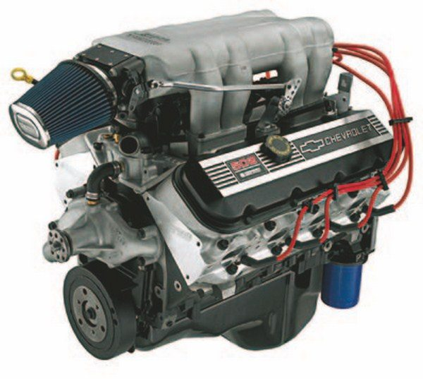 The 502/502-hp Deluxe crate engine features aluminum oval-port heads, 9.6:1 CR, performance intake with Holley 4-barrel carburetor, hydraulic roller camshaft, and full factory warranty. (Photo Courtesy GM Media Archive)