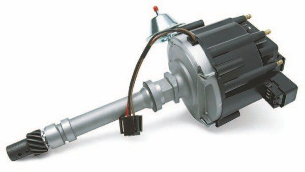 The most common big-block factory distributor is the HEI, a fully self-contained distributor and ignition coil system used from the mid- 1970s through the early-1990s. This current GM version (PN 93440806) features a melonized distributor gear to accommodate steel roller cams. (Photo Courtesy Scoggin-Dickey Parts Center)