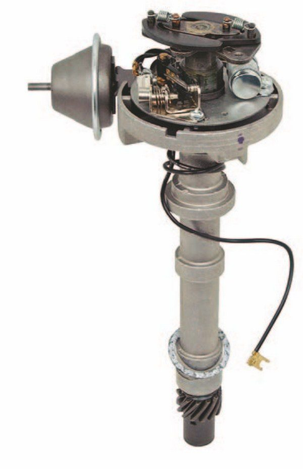 Classic Industries offers this original points-style replacement distributor (PN D1835). It is a complete readyto-run unit suitable for all big-block applications that require a standard points-type distributor. (Photo Courtesy Classic Industries)