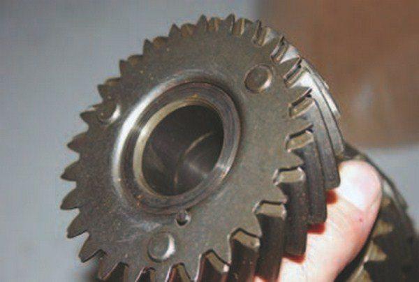 How Muncie 4-Speeds Work - Chevy DIY