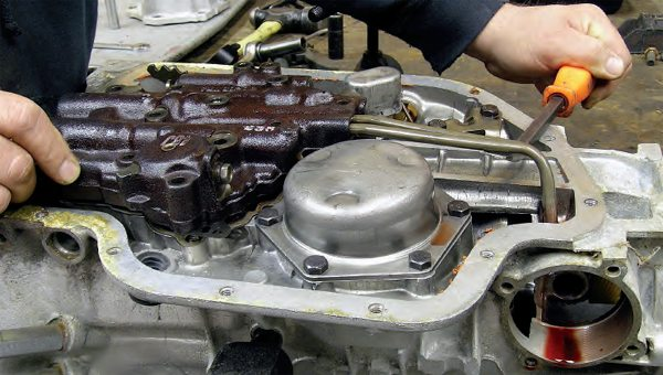 How to Rebuild Your GM Transmission: TH400 Disassembly Guide - Chevy DIY