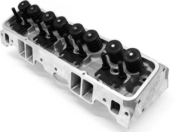 The Edelbrock Performer RPM head may look very similar to the Performer, but it offers a slightly larger port cross-section and concurrently more flow, especially in the midlift areas.
