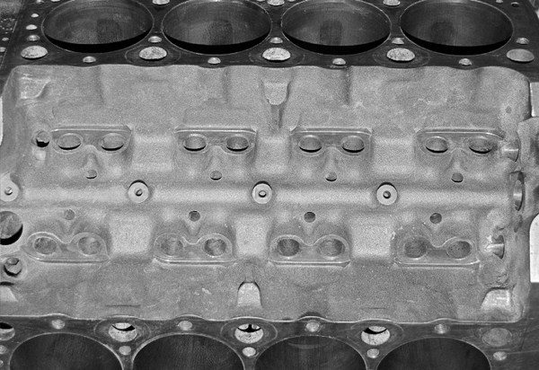 Comparing Cylinder Blocks and Fasteners for Chevy Small