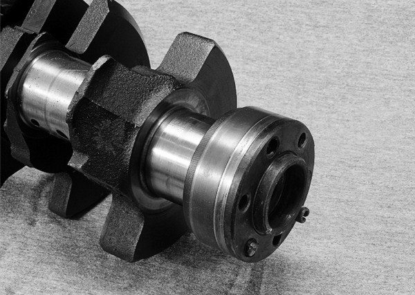 Comparing Rotating Assemblies and Fasteners for Chevy Small