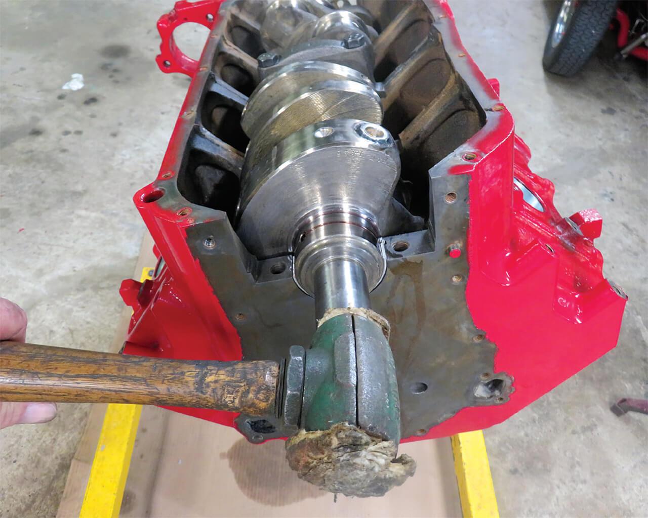 Assembling a Buick Nailhead V8